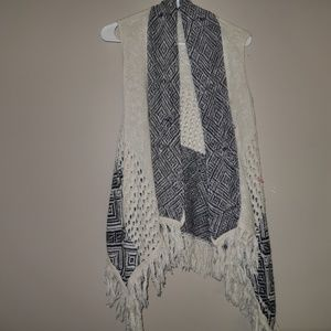 Altar'd State   black and white cardigan sz small